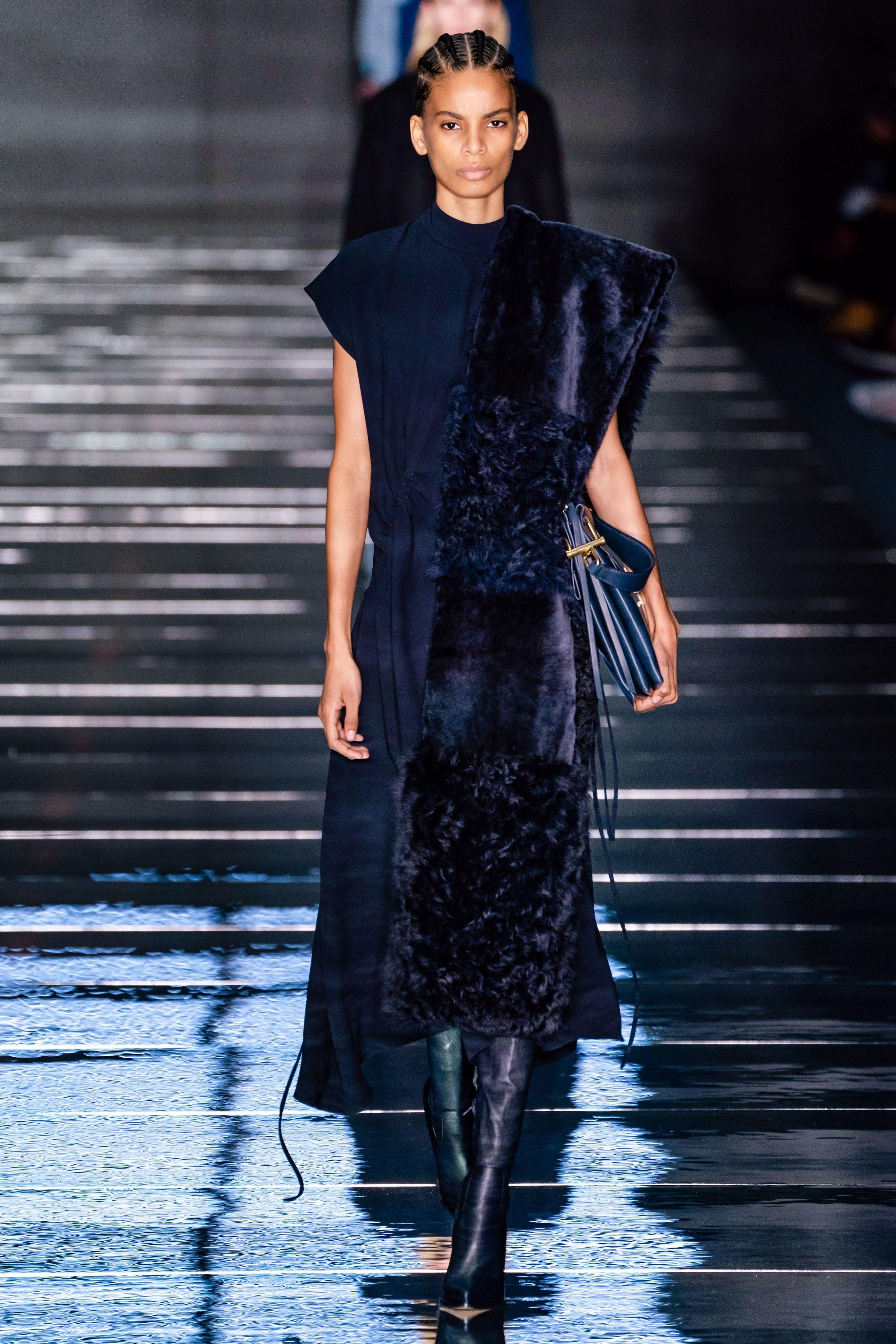 d2d04266924 Boss Fall 2019 Ready-to-Wear Fashion Show in 2019 | Women's fashion ...