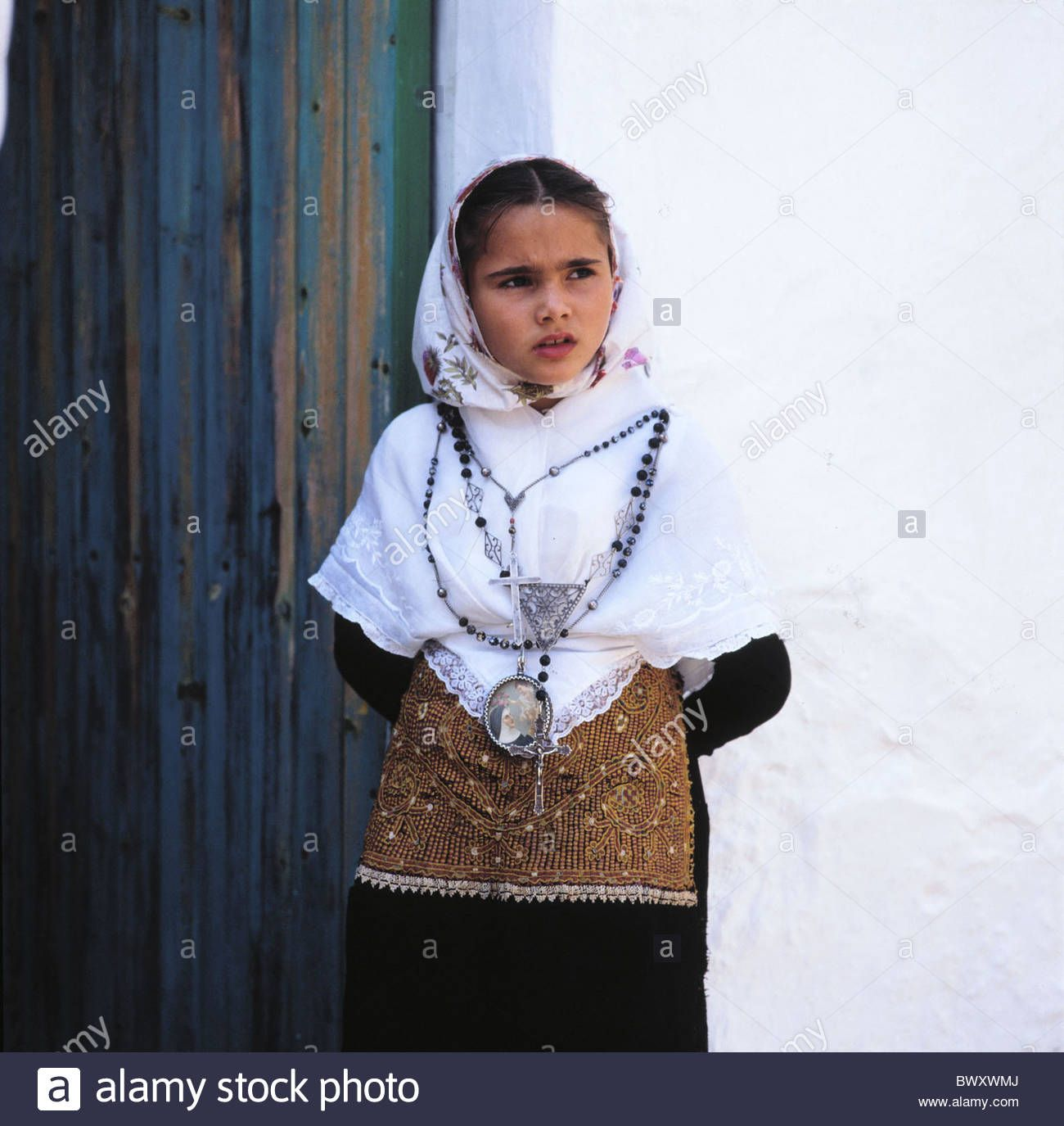 Download this stock image: Ibiza girl Spain Europe national costume portrait folklore tradition Balearic Islands child - BWXWMJ from Alamy's library of millions of high resolution stock photos, illustrations and vectors.