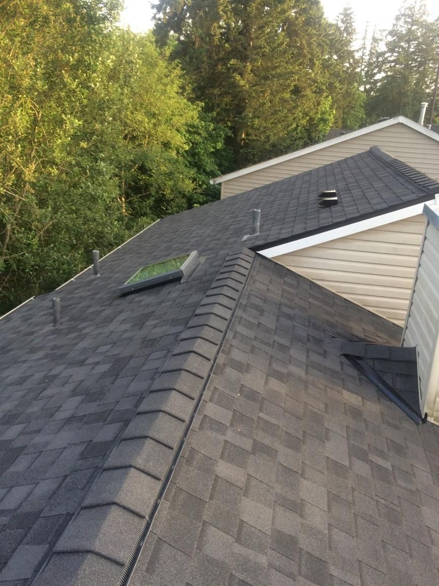 Certainteed Landmark Pro Installation In Hillsboro Oregon By Orion Roofing And Sheet Metal Roofing Roof Installation Roofing Contractors