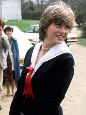 LADY DIANA SPENCER SEEN IN CHELTENHAM DURING A VISIT WITH THE PRINCE OF WALES SHORTLY AFTER HER ENGAGMENT. SHE WEARS A BELVILLE SASSOON NAVAL SUIT. PHOTO BY JAYNE FINCHER. MARCH 1981