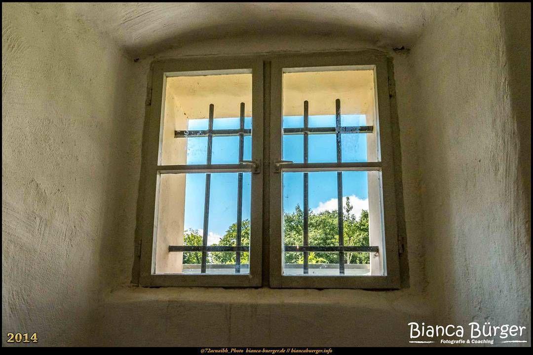 Neuruppin (Juni 2014) - Fenster in einem alten Haus #Brandenburg #Deutschland #Germany #biancabuergerphotography  #IG_Deutschland #ig_germany #shootcamp #shootcamp_ig #pickmotion #diewocheaufinstagram #visitbrandenburg #visit_brandenburg #Fenster #window #oldhouse #altesHaus #canon #canondeutschland #EOS70D