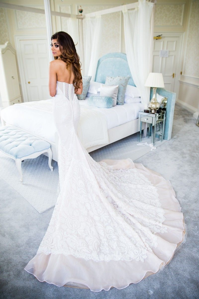 Popular Inbal Dror BR PreOwned Wedding Dress on Sale Off
