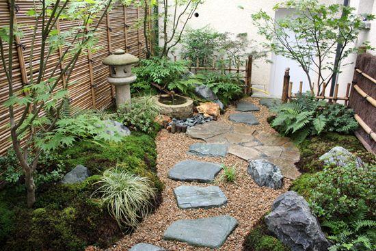 un d cor japonais dans un petit jardin l 39 ombre sc nes de jardins id es jardin bricolage. Black Bedroom Furniture Sets. Home Design Ideas