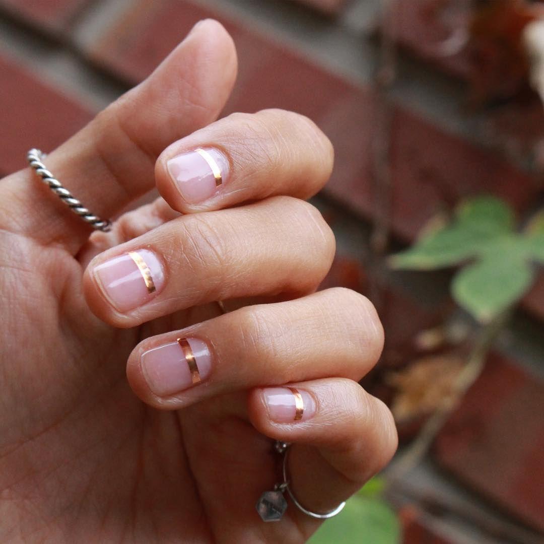 simple gold stripes // nail art | HAIR & MAKEUP | Pinterest | Gold ...