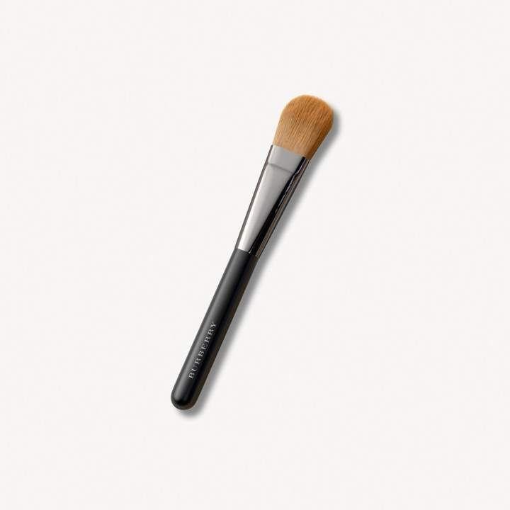 35e601da73b Burberry Foundation Brush No.04