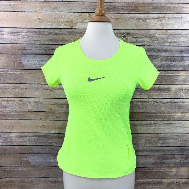 4d5945b07fa4d Nike Aeroreact Womens Top Running Neon Athletic Size Medium Dri-Fit Short  Sleeve #Nike #AthleticTops