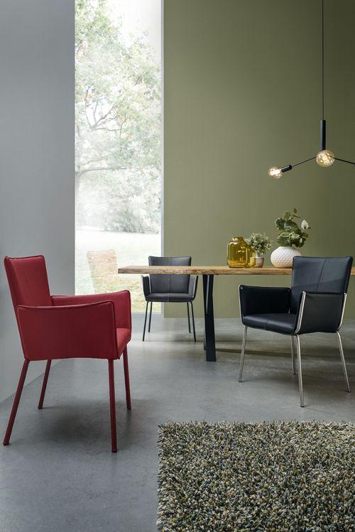 Wechselspiel der Farben Stühle aus dem Programm Contur 4900 von