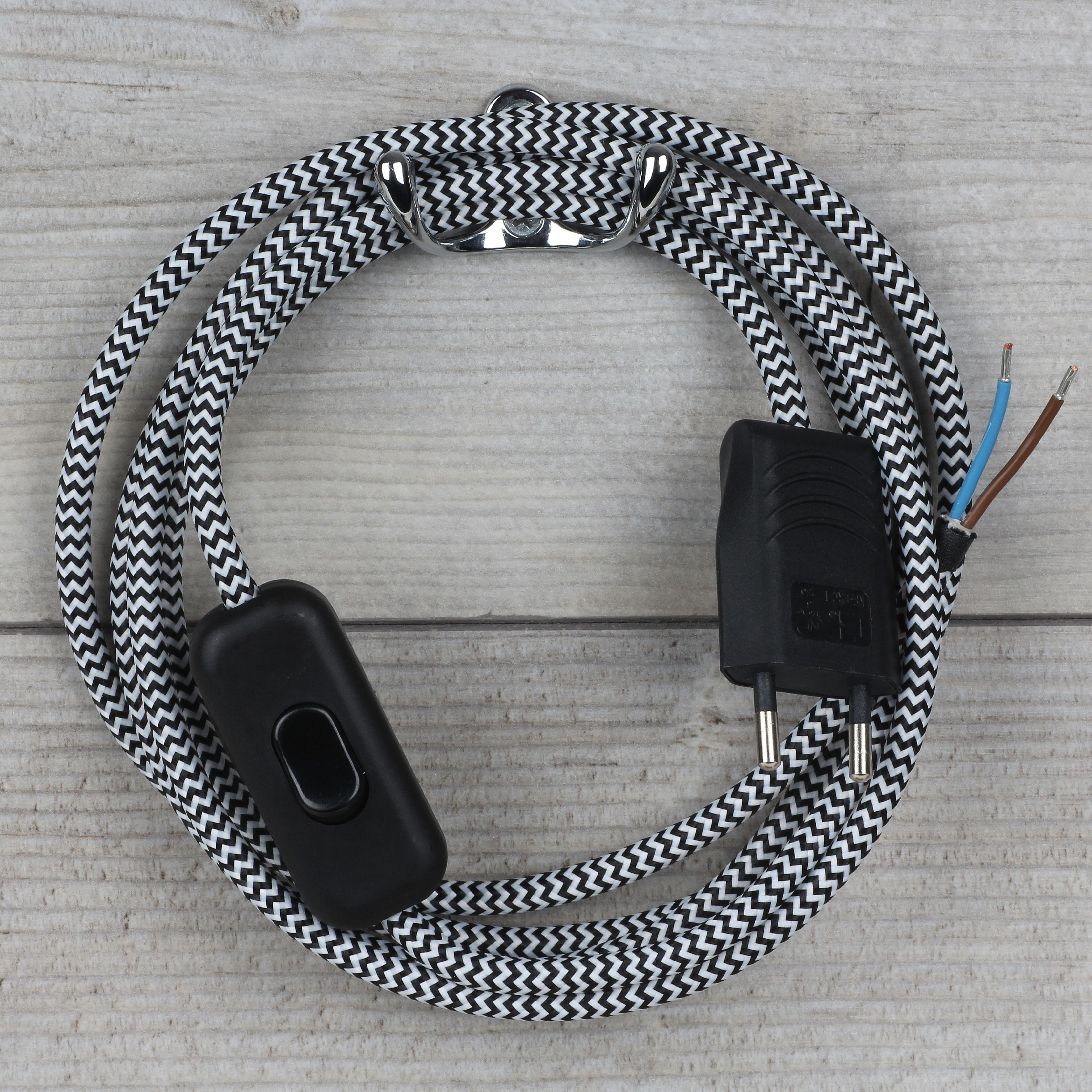 Textilkabel Anschlussleitung 2 5m Schwarz Weiaÿ Zick Zack Mit Schalter Und Euro Flachstecker Textilkabel Kabel Stecker