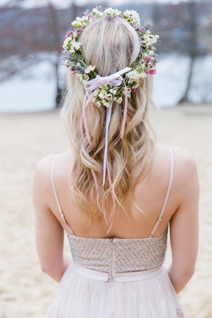 Offene Brautfrisur Mit Leichten Wellen Im Haar Hairstyle