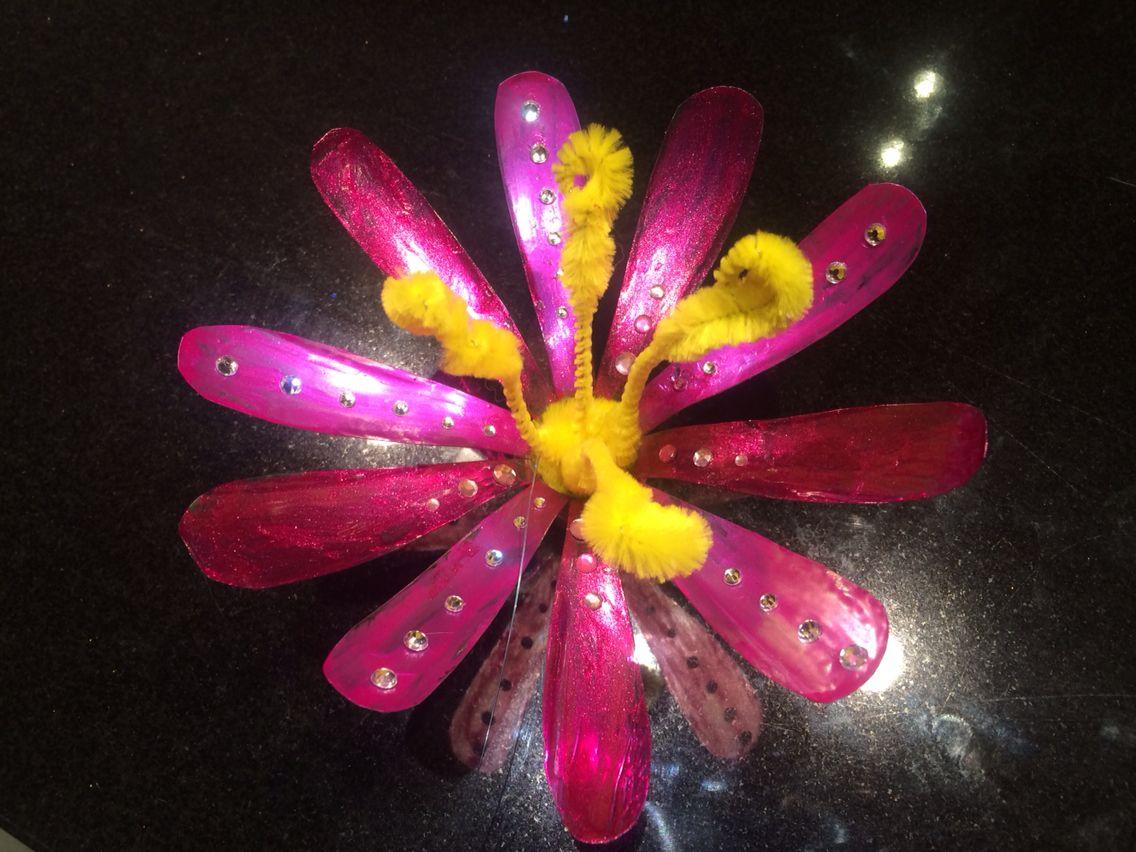Flower made from plastic bottle