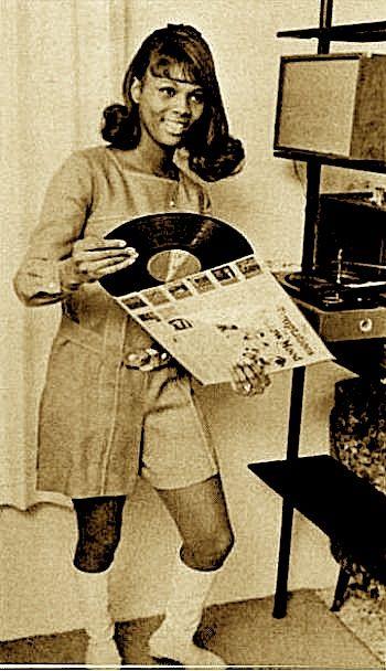 Vinyl Can You Dig It And I Still Have A Lot Of My Vinyl Vintage Vinyl Records Vinyl Junkies Vinyl Records