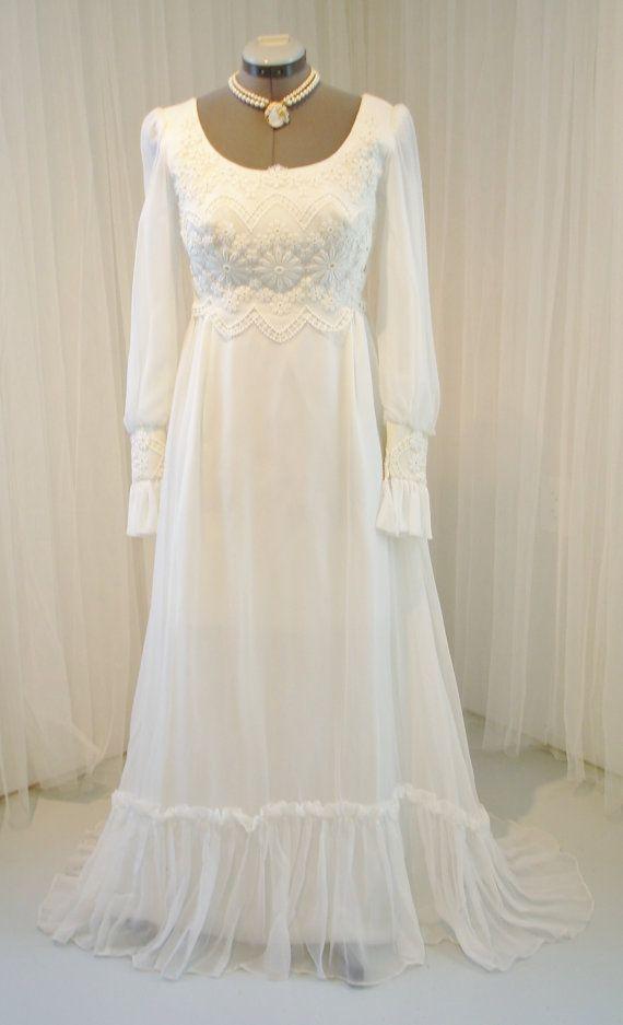 Vintage IGLU Chiffon und Spitze Hochzeit Kleid von TheTealDoor ...