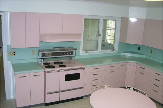 1950 S Pink Kitchen With Steel Cabinets Turquoise Counters Via Nacho Kitty On Facebook Kitchen Styling Kitschy Kitchen Pink Kitchen