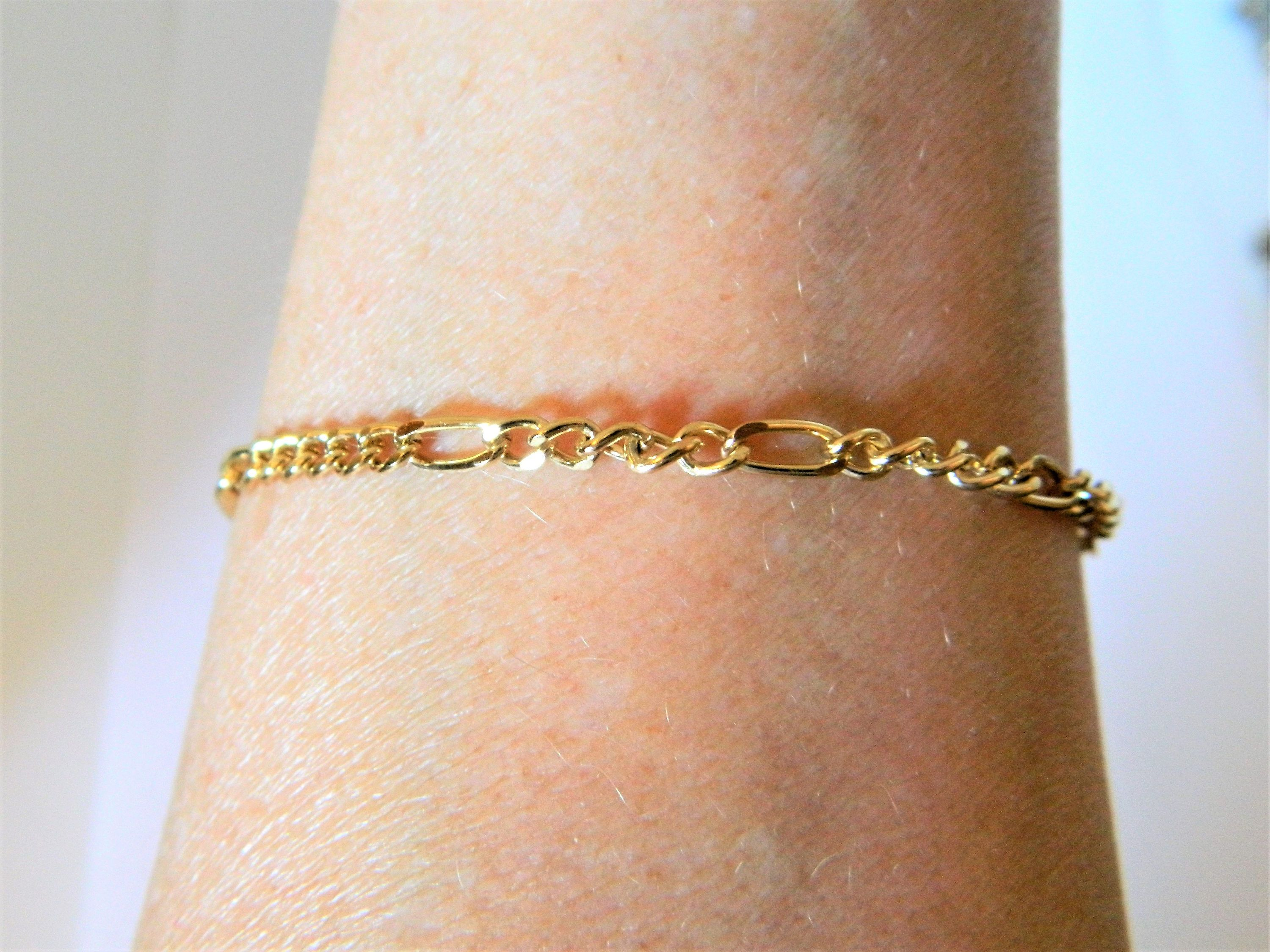 interlocking link chain retro gold tone bracelet vintage pin delicate