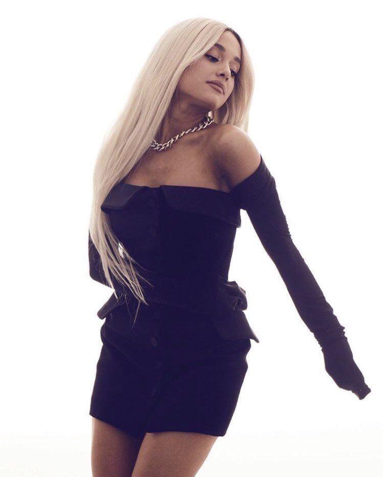 Ariana Grande Körper