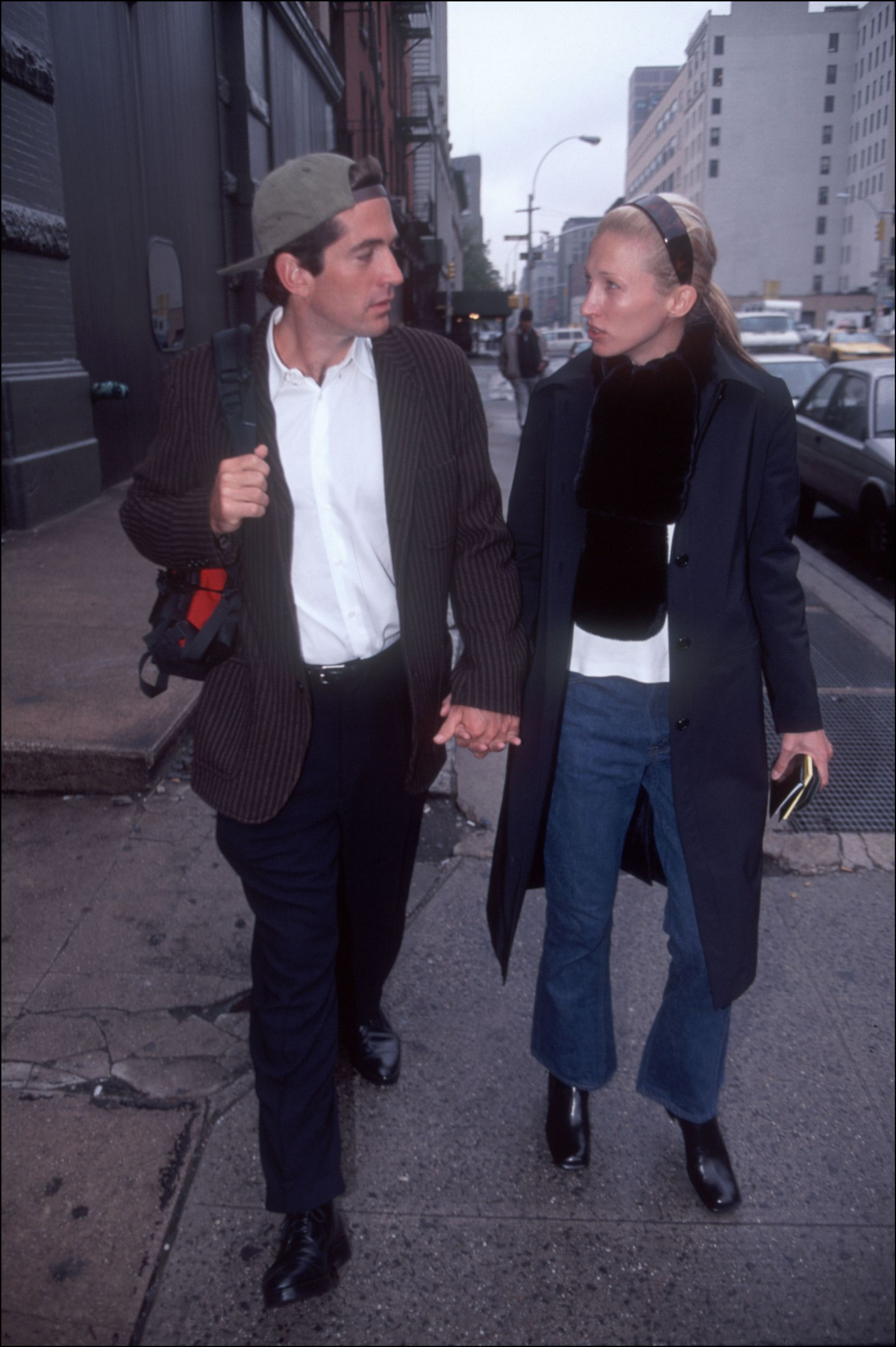 John F Kennedy Punched Man Who Wife Carolyn Bessette Kissed During Marriage New Book Claims Carolyn Bessette Kennedy Carolyn Bessette Kennedy Style Kennedy Jr,Peaceful Bedroom Romantic Master Bedroom Paint Colors