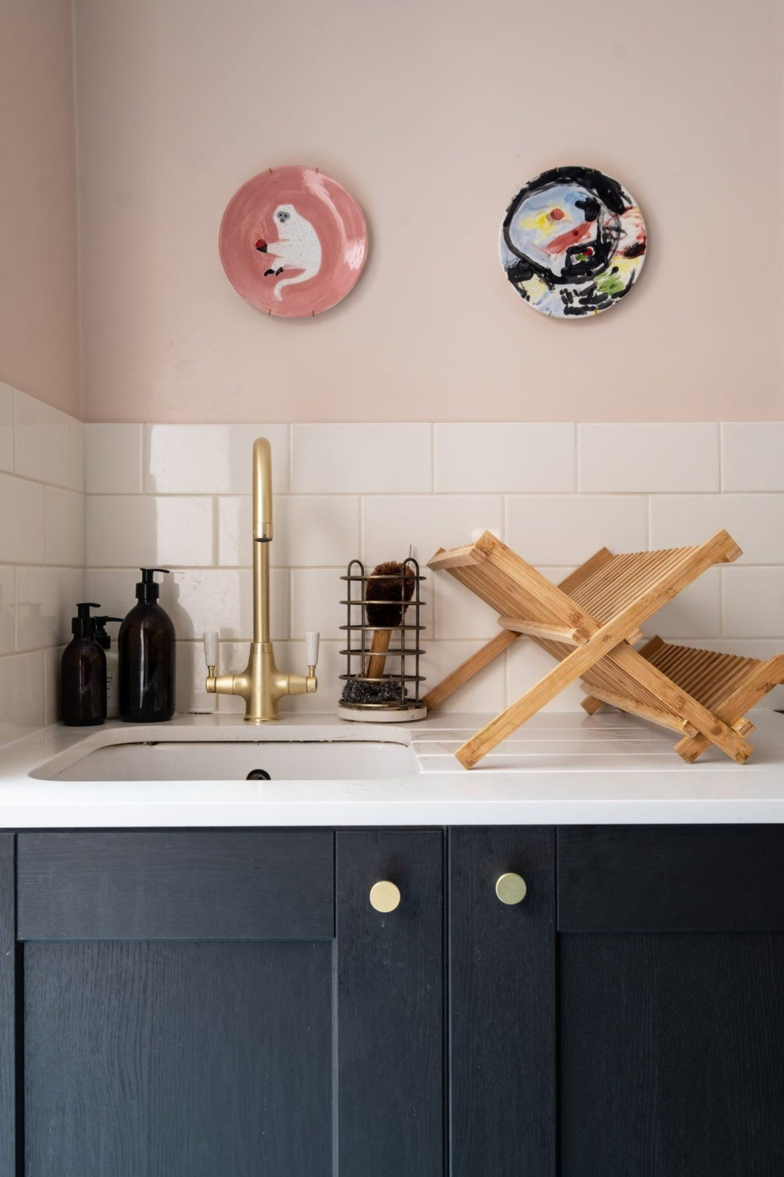 Find Loads Of Color And Pattern Inspiration In This Lovely Uk Home Pink Kitchen Walls Pink Kitchen Kitchen Wall