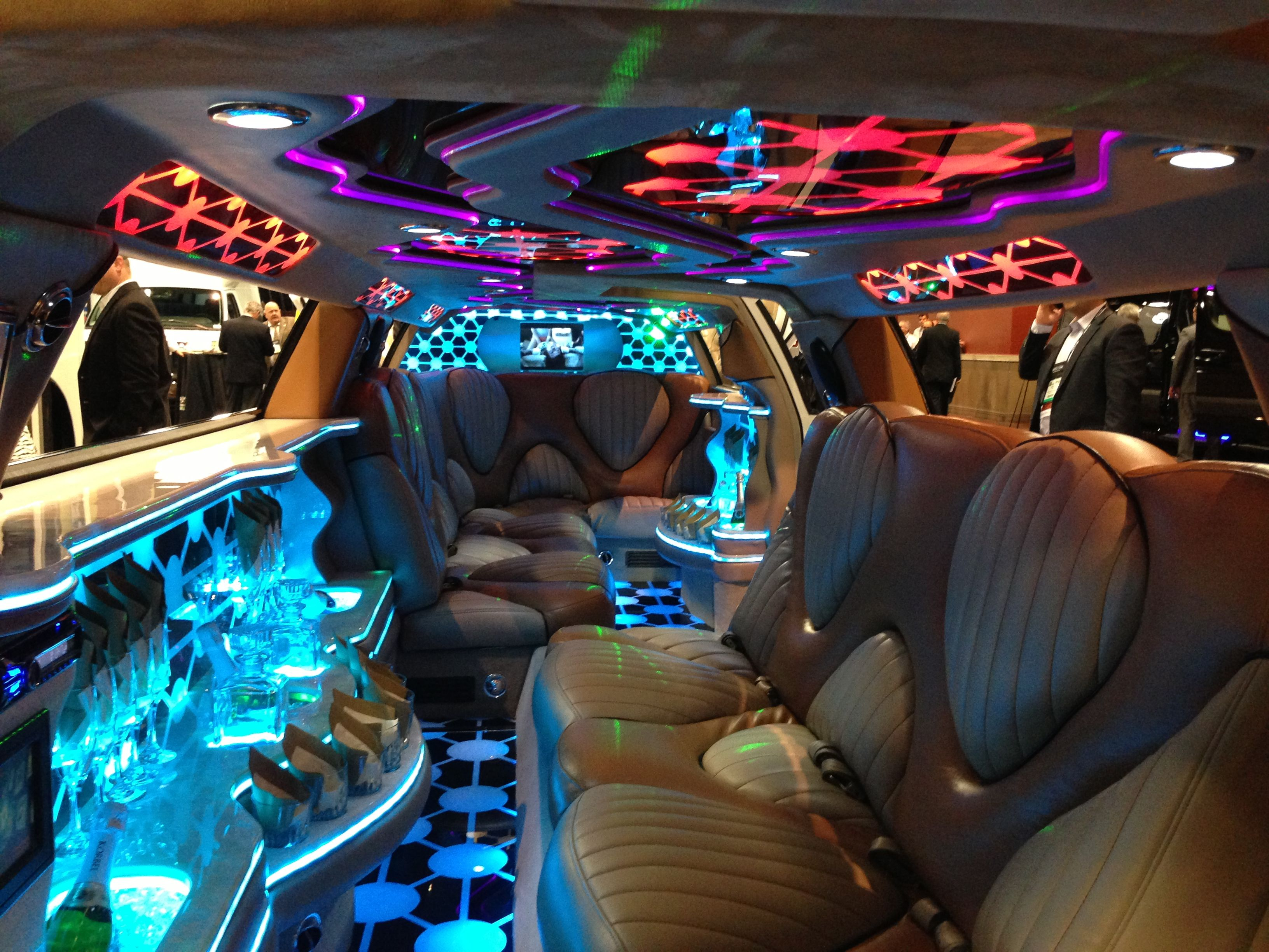 Custom Chrysler 300 Limo Interior With Images Limousine