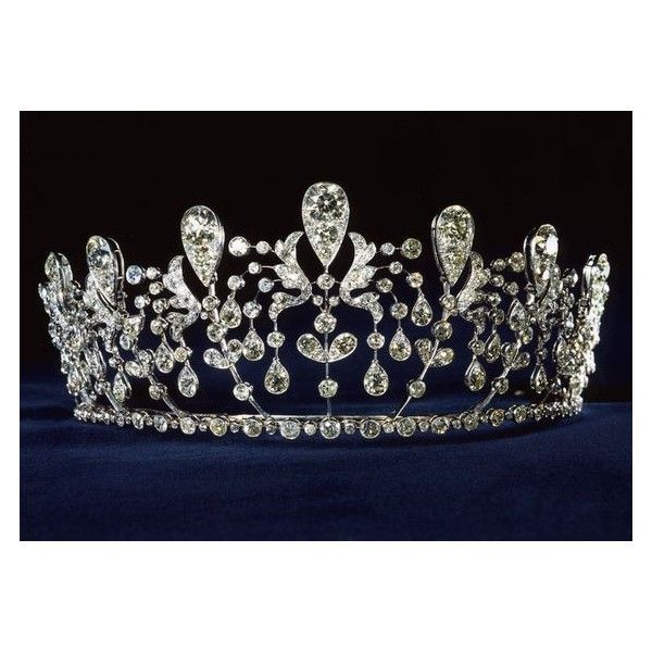 The Official Tiara Gallery ❤ liked on Polyvore featuring jewelry and tiara