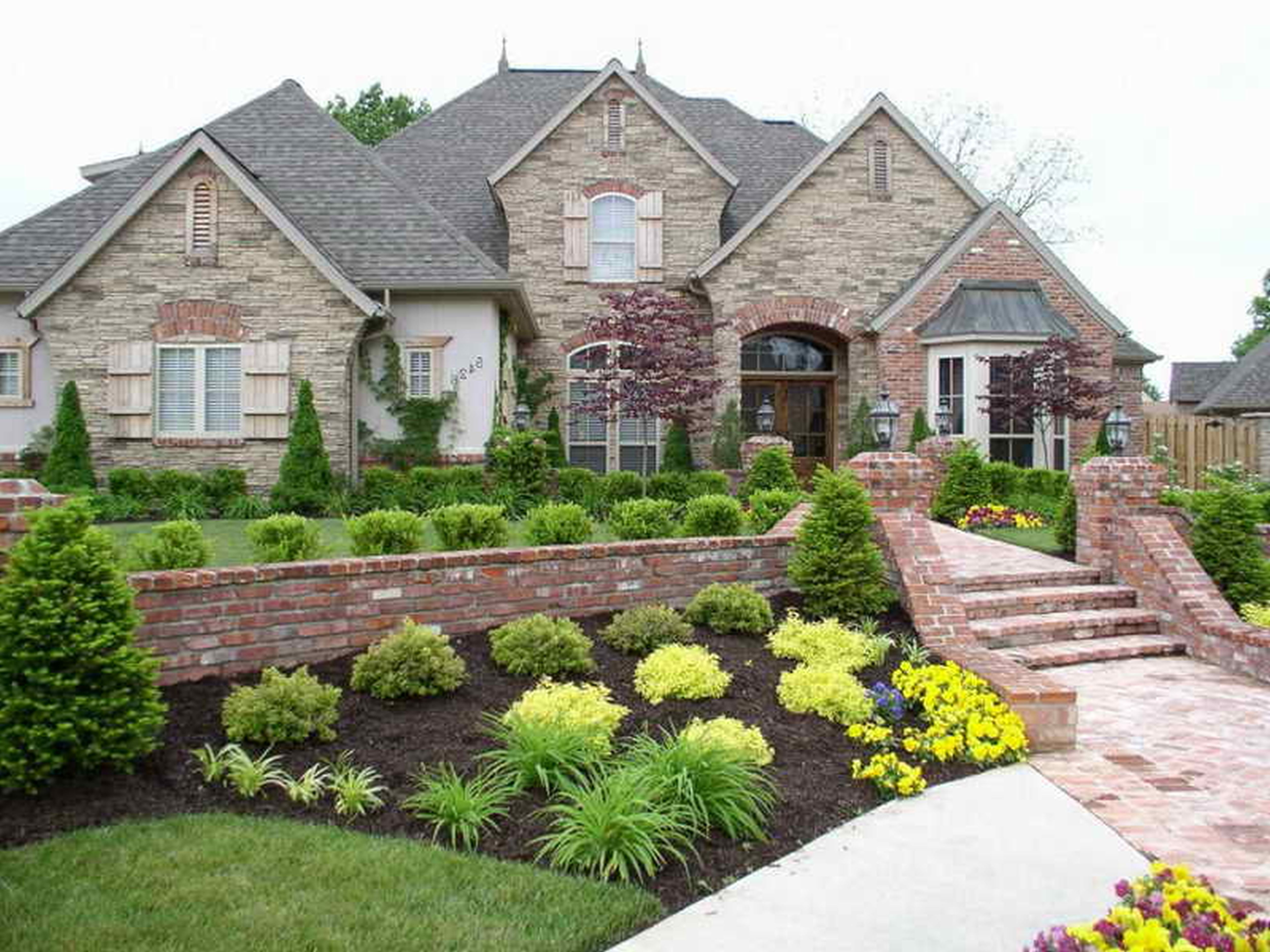 Garden Attractive Landscaping Ideas Front Yard Combination ...