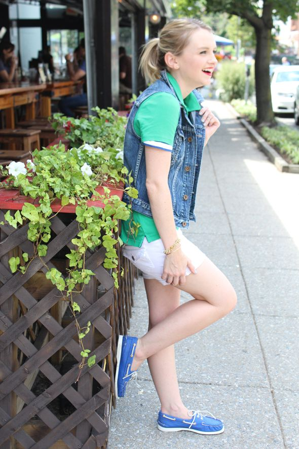 How to style a green polo shirt white denim shorts for Polo shirt girl addiction