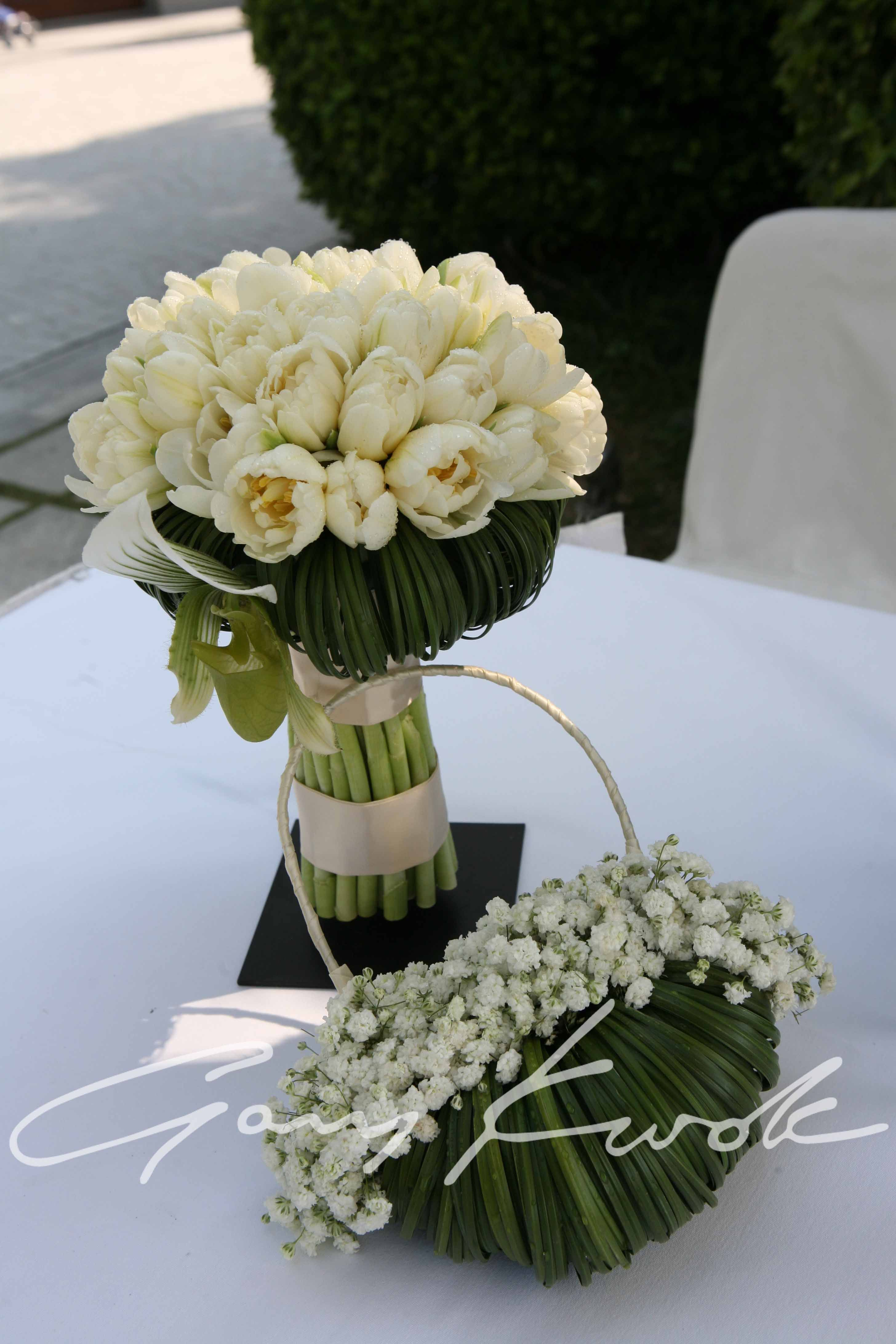 The Stylish White Green Bridal Bouquet With The Best Flower Basket