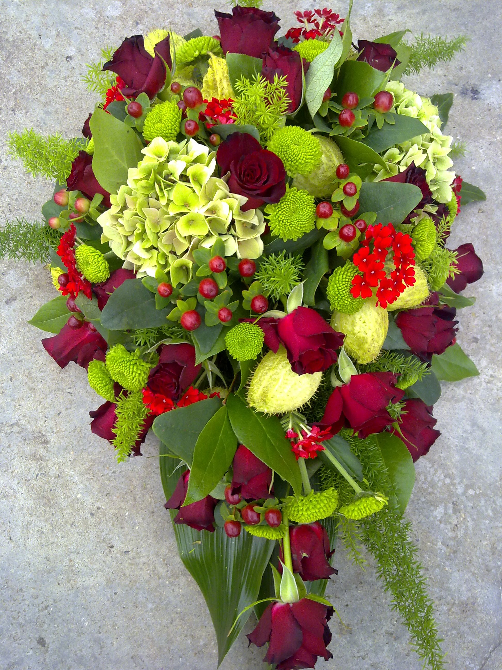Tearshaped Redgreen By Bloemenvanmadeleine Funeral Flower