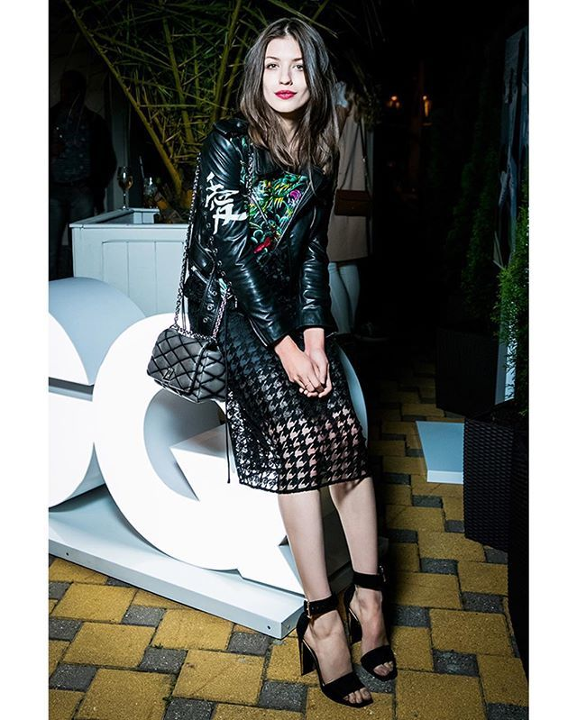 Aktrisa Anya Chipovskaya V Kosuhe Maison Bohemique Na Koktejle Gq V Sochi Chi Pa Bohemique Maisonbohemique Voguerussia Fashion Instyle Style