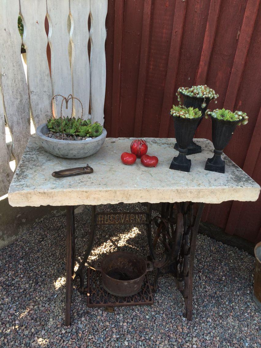 Symaskinsbord med stenskiva My garden Garden, Outdoor decor och Home Decor