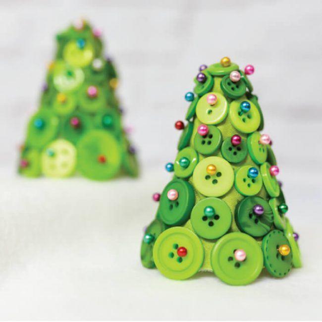 Weihnachtsbasteln mit Kindern - 15 DIY Bastelideen - basteln mit Knöpfen - Weih... Weihnachtsbasteln mit Kindern - 15 DIY Bastelideen - basteln mit Knöpfen - Weih...