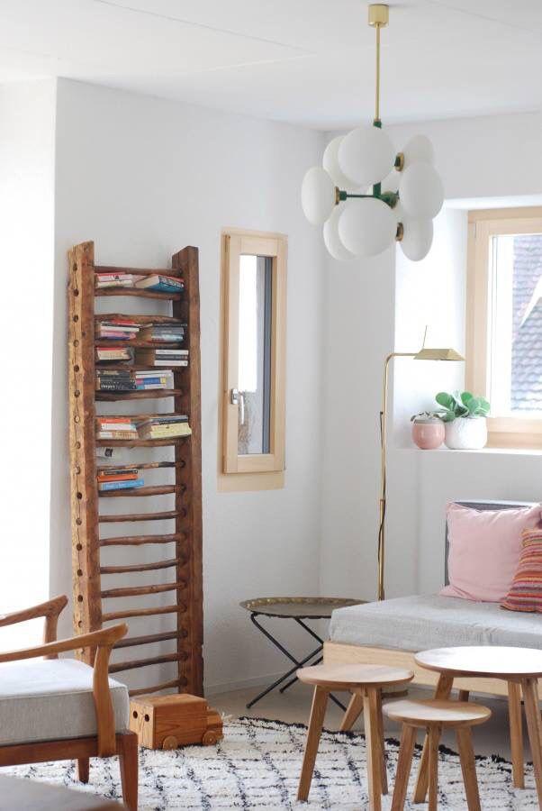 Schlafzimmer Regal, Bett, rosa, Holz, Bücher, Leiter, Lampe