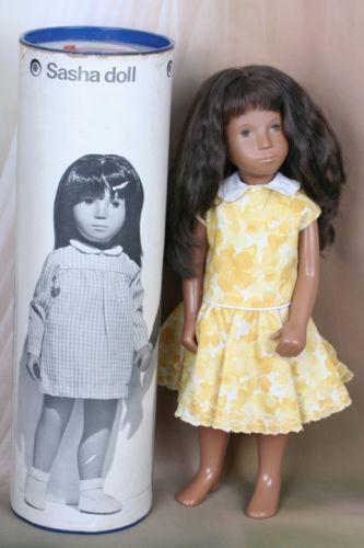 Vintage-Sasha-Doll-1969-70-Brunette-Girl-Stunning-Hair-Comes-dressed