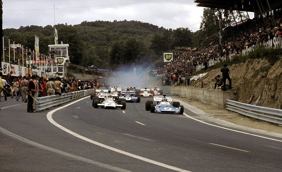 chris amon matra ms120d denny hulme yardley mclaren ford m19c leading the charge at. Black Bedroom Furniture Sets. Home Design Ideas