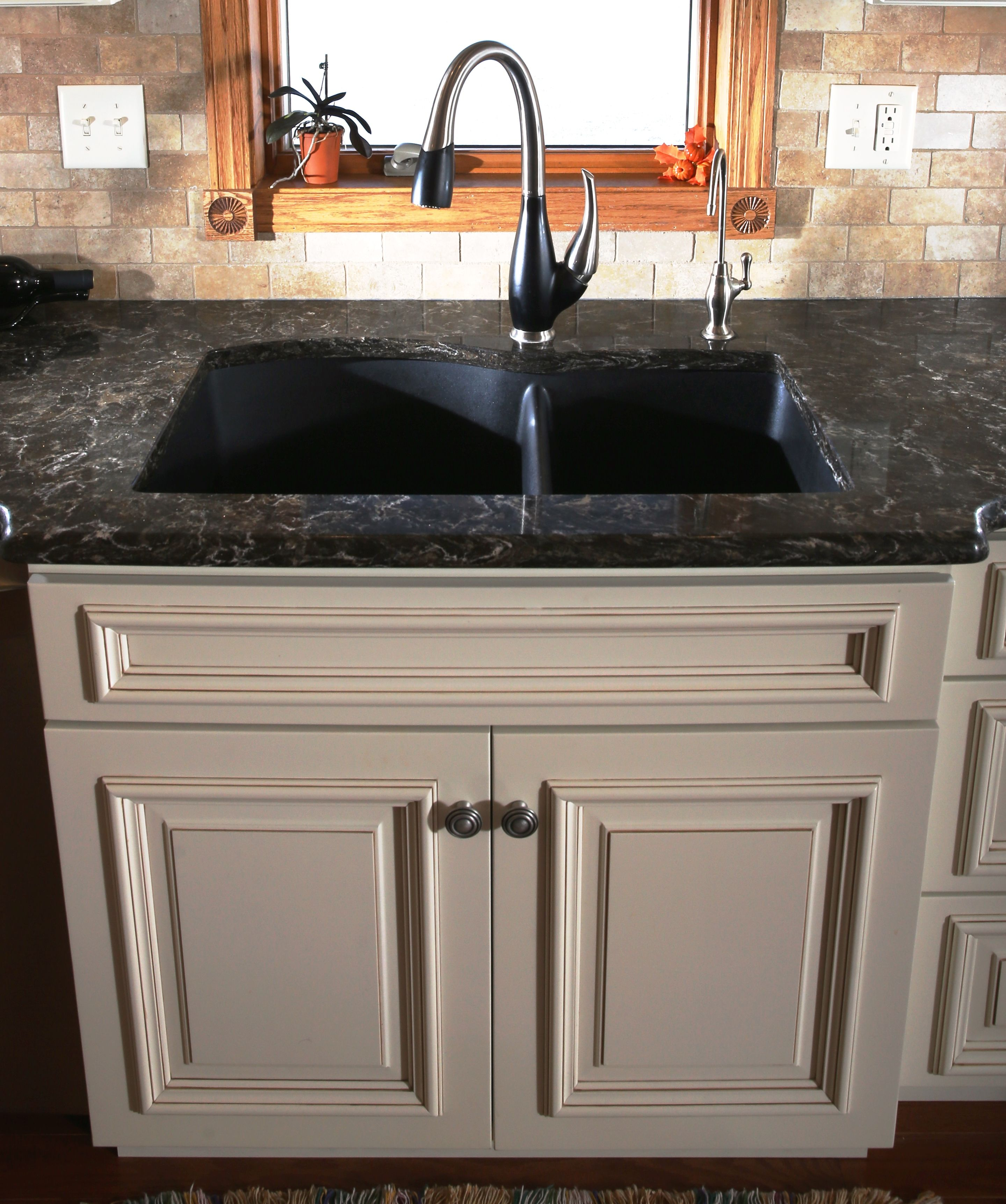 Eggshell Prefinished Brown Glazed Birch Wood Cabinets Paired The