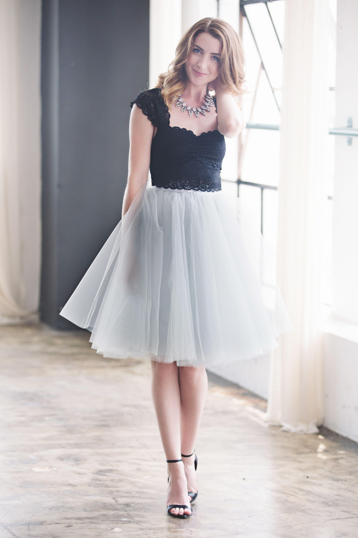 dinner date outfit, cute skirt, midi skirt, feminine fashion
