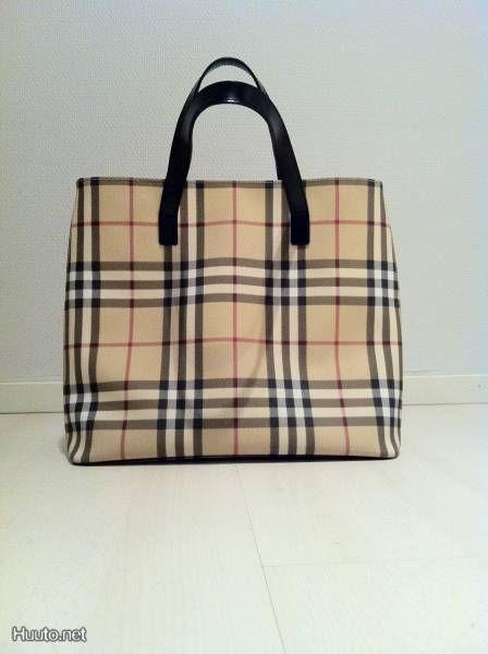 Burberry bag / Burberry laukku