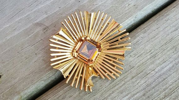 Vintage Mint Condition Crown Trifari Gold Plated Ruffled Starburst? Stylized Topaz Square Rhinestone Brooch Pin