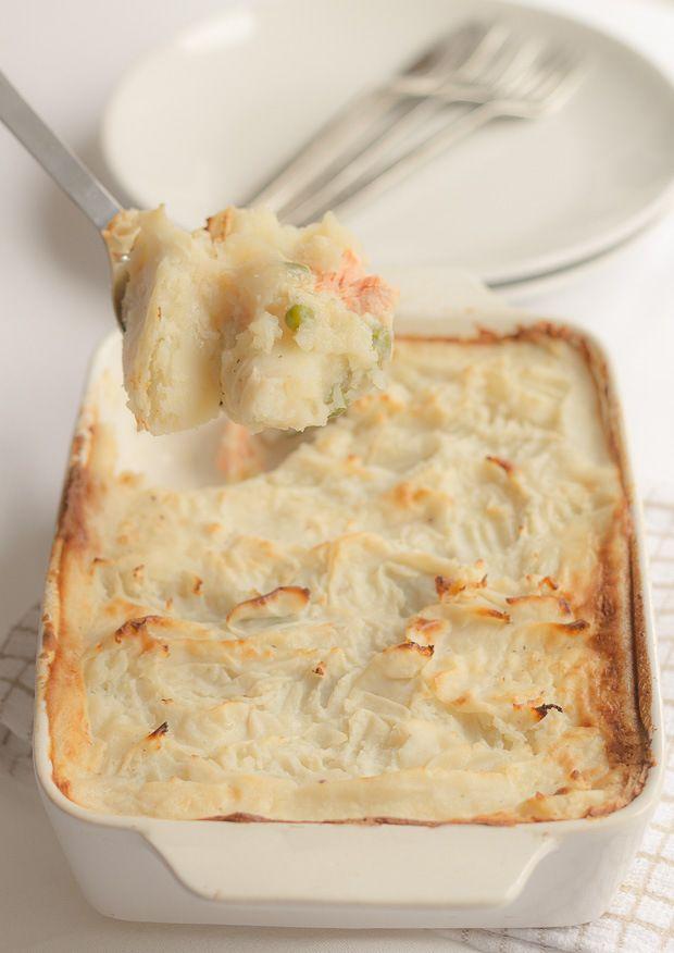 Best 25 easy fish pie recipe ideas on pinterest fish for Fish pie recipe