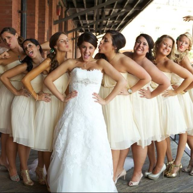 this would be cute also with bridesmaids on one side and the groom