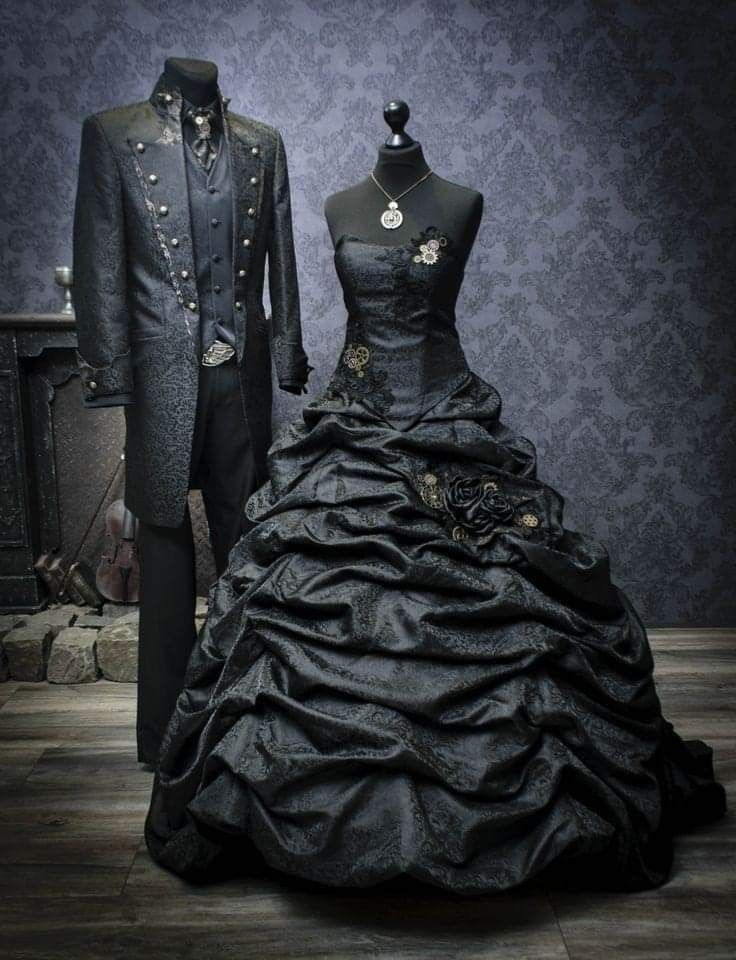 Gothic Wedding Dress And Suit I Would Love For This Steampunk Wedding Dress Extravagant Wedding Dresses Black Wedding Dress Gothic