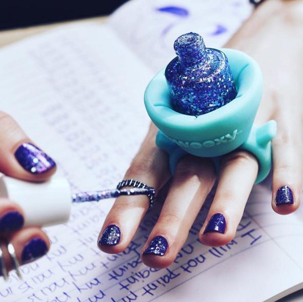 Anillo para sujetar el esmalte de uñas | Esmaltes de Uñas Primavera ...