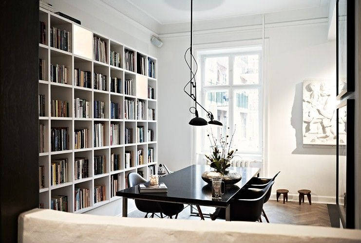 dining+room+black+table+eames+chairs+pendant+lights+cubby+built+in+bookshelf+shelf+book+shelves+cococozy.JPG 741×500 pixels