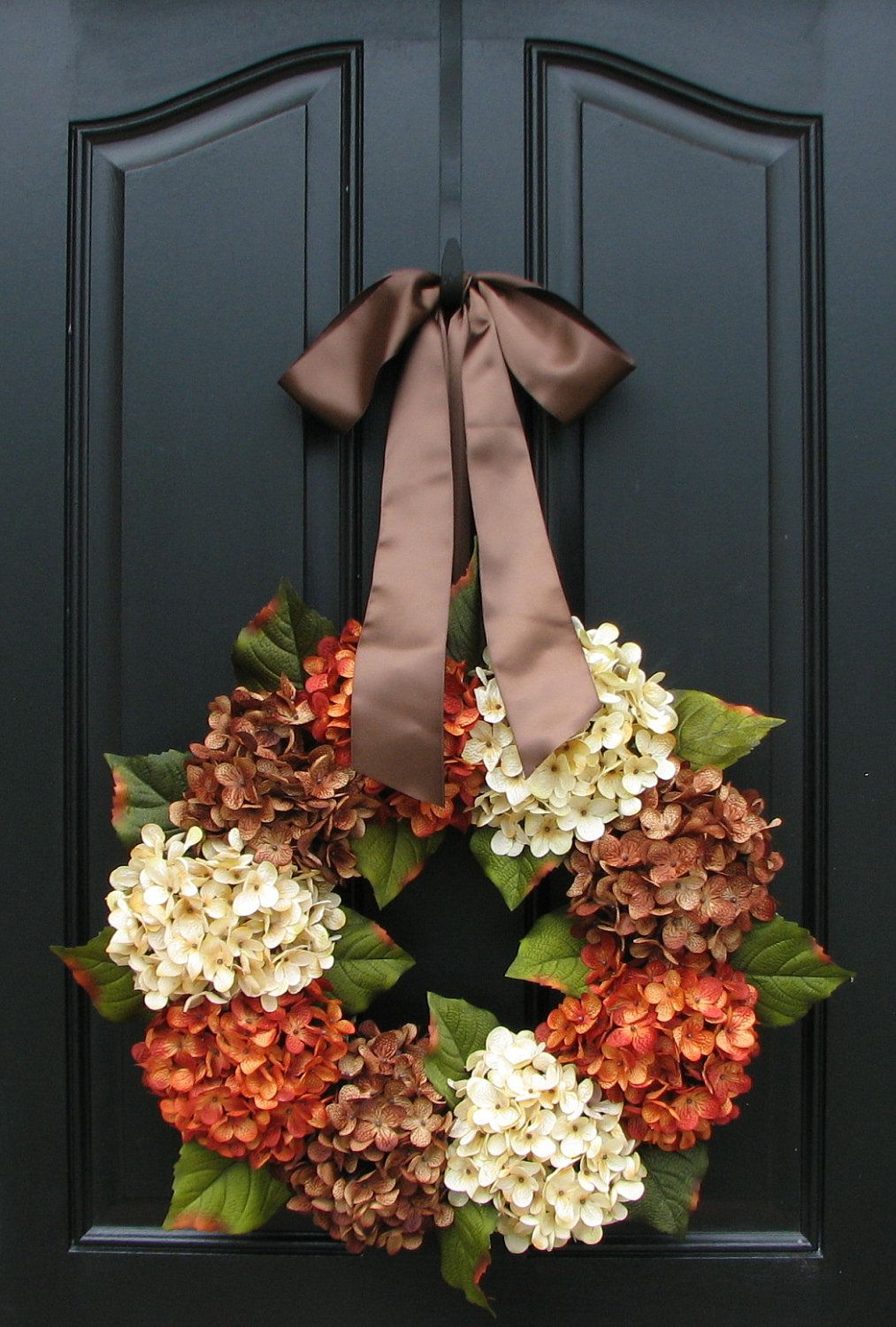 Fall Wreaths Wreaths Pinterest Wreaths, Autumn leaves falling - Front Door Halloween Decoration Ideas
