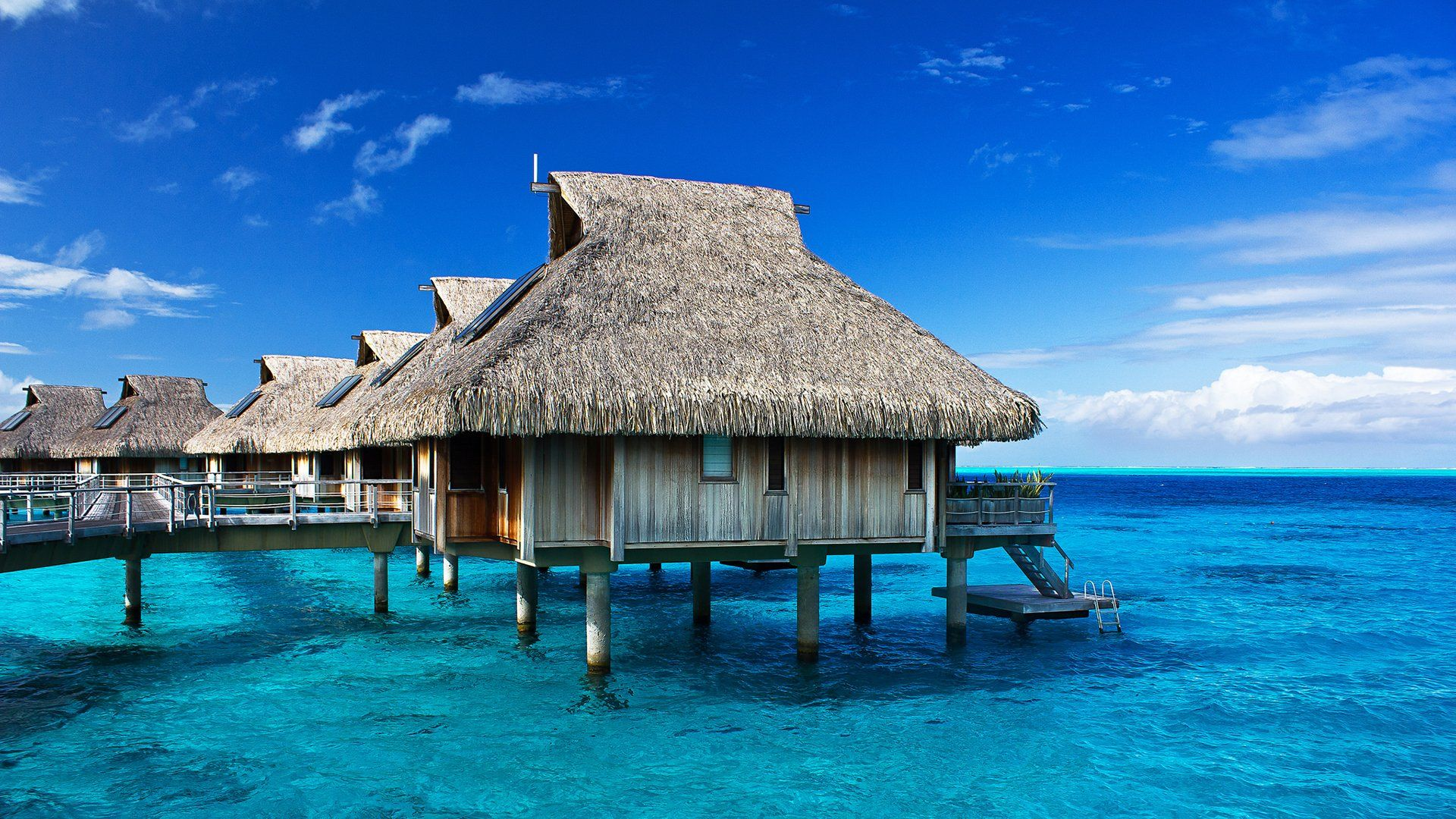 Tropical Hut Resort Ocean Wallpaper