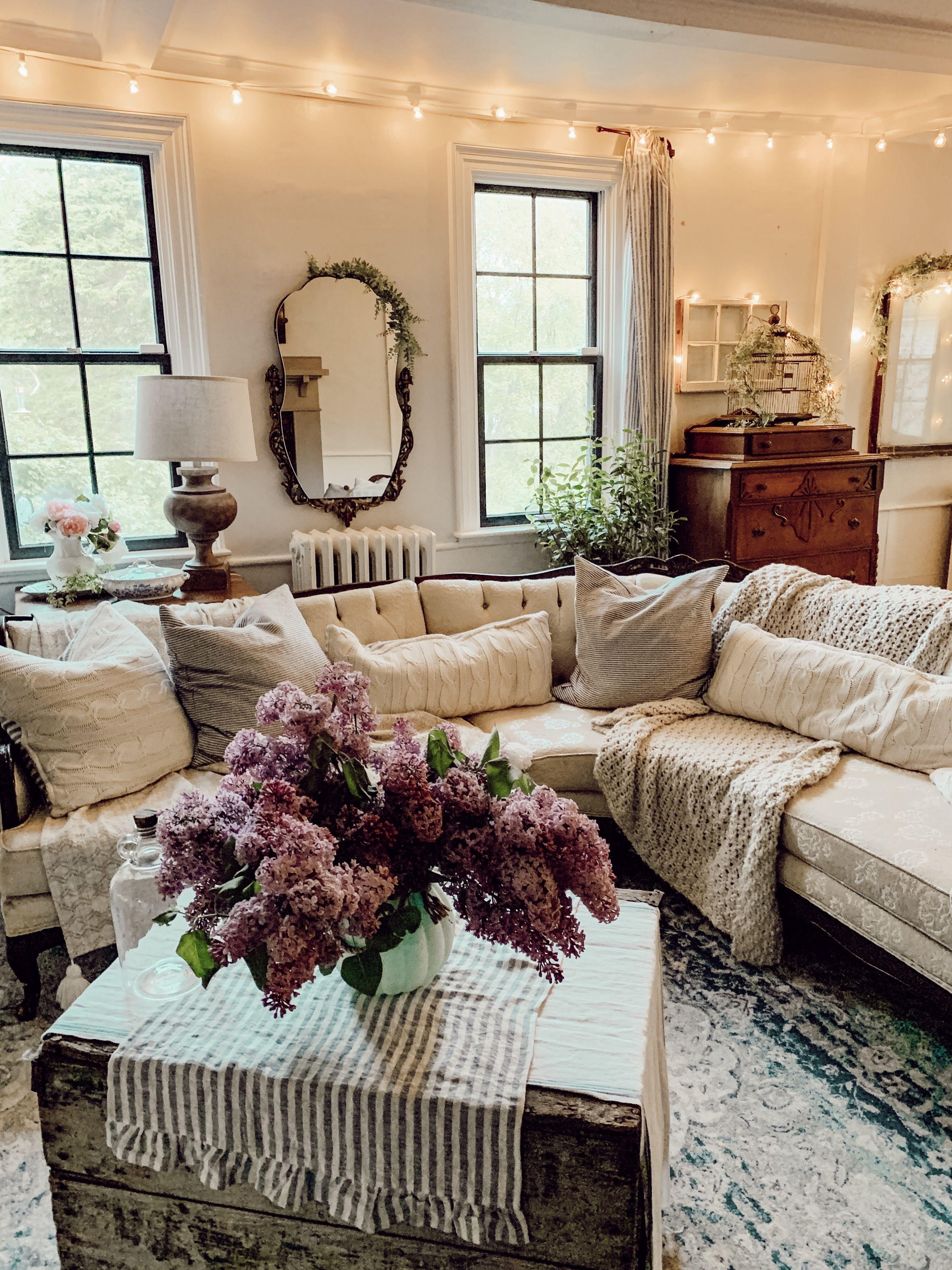 Acogedor Vintage Casa Rustica Sala De Estar En 2020 Salones Rurales Sala De Estar Rustica Salones Antiguos