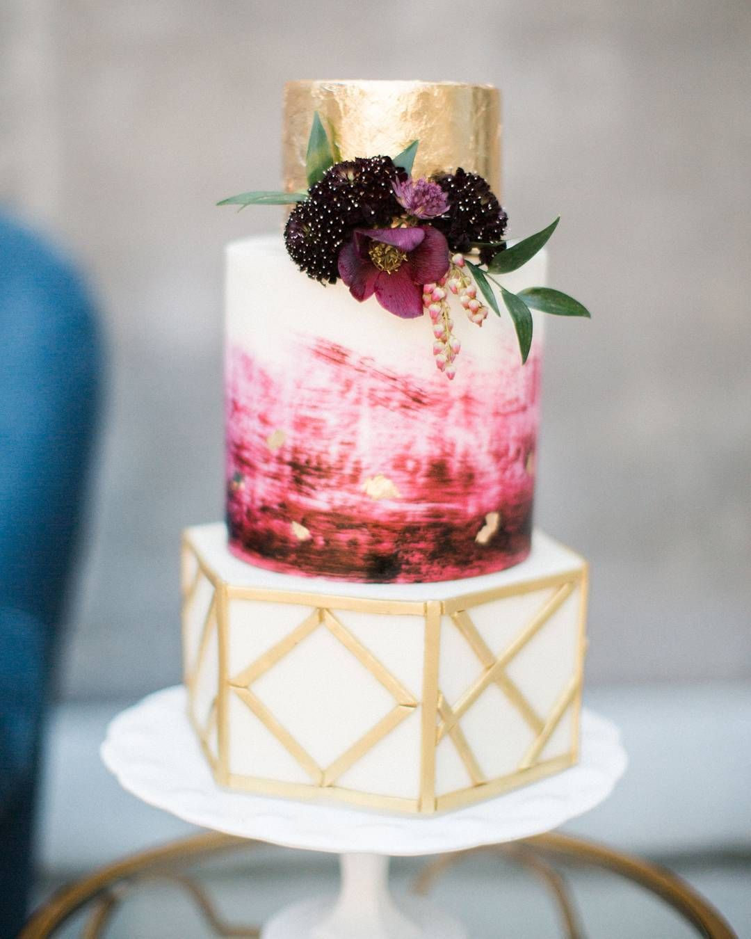 Red and gold wedding cake cakes u dessert tables pinterest