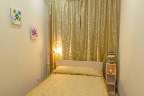 Ejen Guest House Saint Petersburg Ejen Guest House is located in Saint Petersburg, within a 10-minute walk of Vasileostrovskaya Metro Station. Nevsky Prospekt and the Hermitage Museum are 2.5 km away.  All rooms are decorated in bright colours and feature a TV.