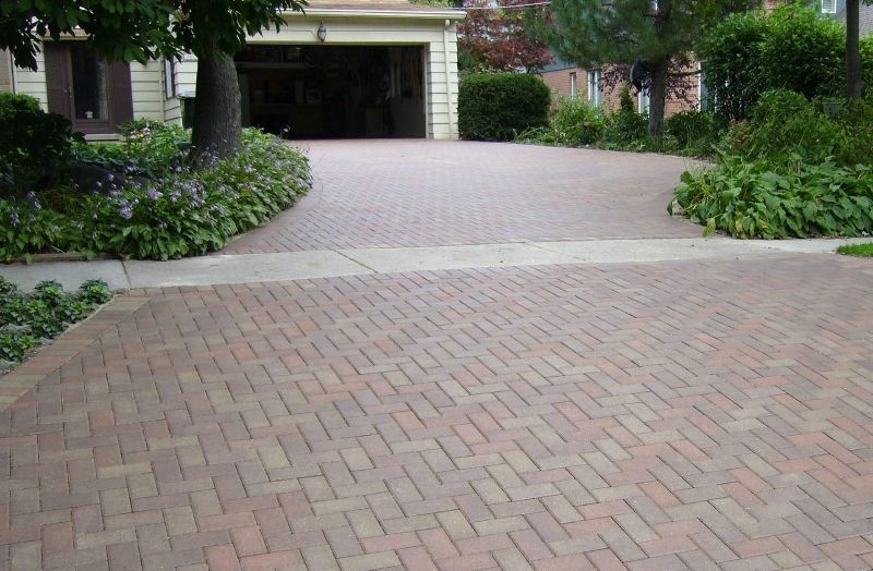 National Brick Paver Stone Are Ranked As The Most Trusted Contractors For Winnetka Driveways Driveway Repairs Get Brick Driveway Driveway Design Driveway