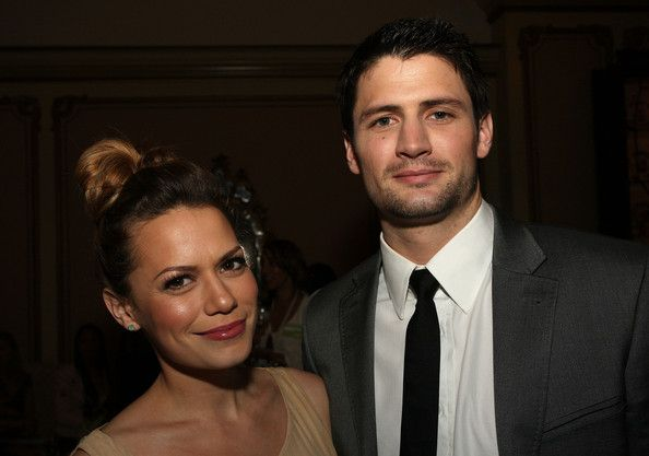 Bethany Joy Lenz and James Lafferty (Haley and Nathan <3)
