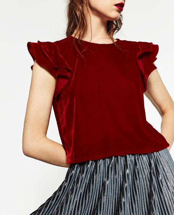 VELVET TOP DETAILS 1,590.00 MKD COLOR: Dark red 9320224